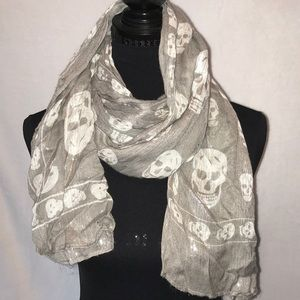 Gray Skull Scarf • Silver ribbons throughout • EUC